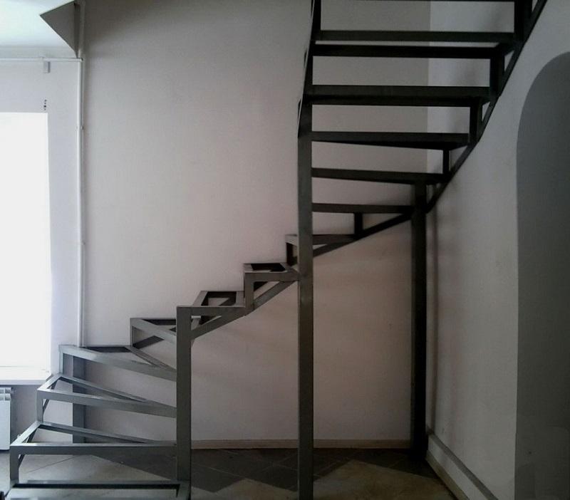 Винтовая лестница купить в Москве недорого