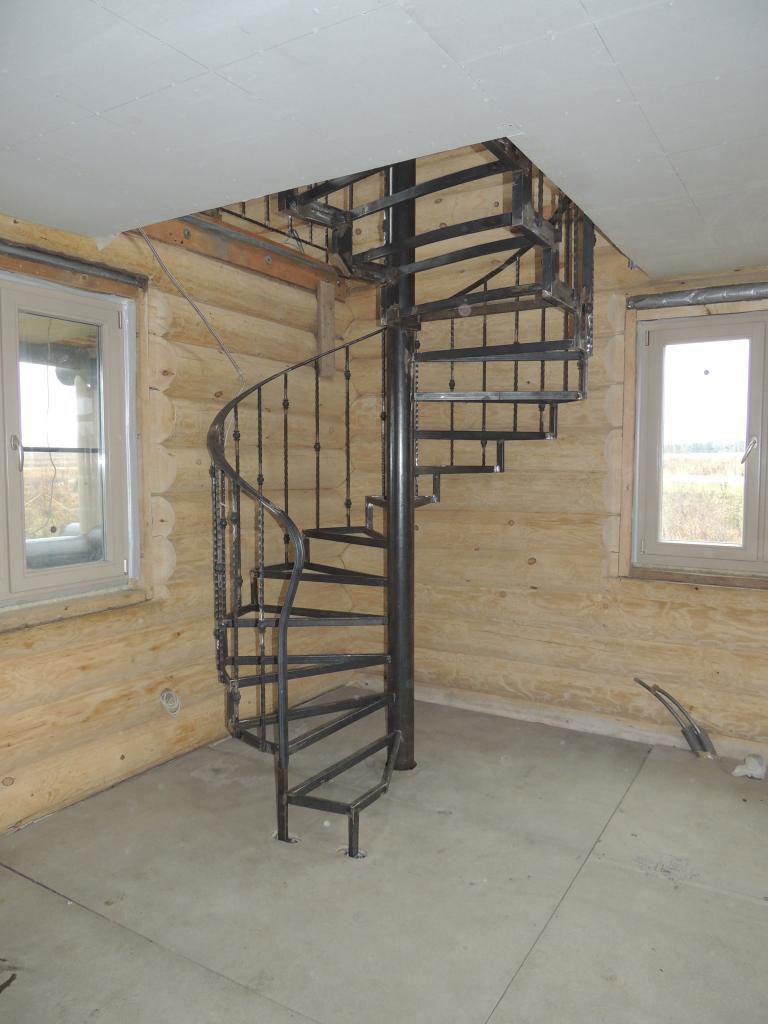 Винтовые лестницы на второй этаж в частном доме и на даче