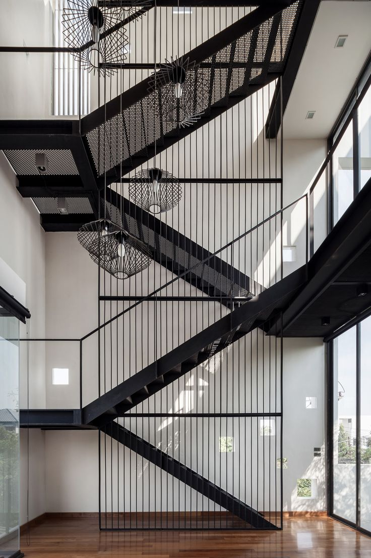 многомаршевая лестница с поворотами на 180 градусов