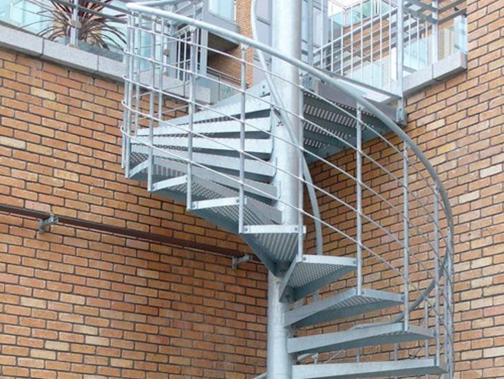 эвакуационная винтовая лестница