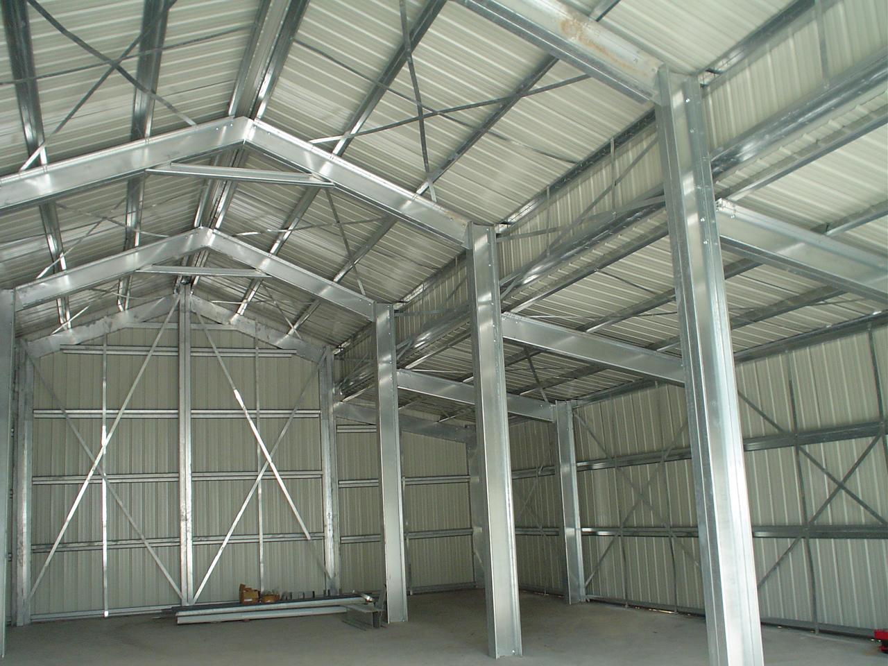 Склад из металлоконструкций для магазина фото