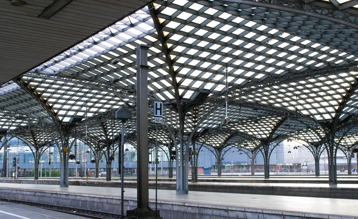Фото павильона из металлоконструкций